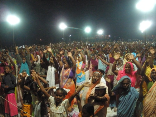 Hundreds of Indians coming to Christ at a crusade
